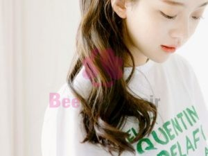 Ponytail Wavy Hair for Girls to Go Downtown on Summer Days