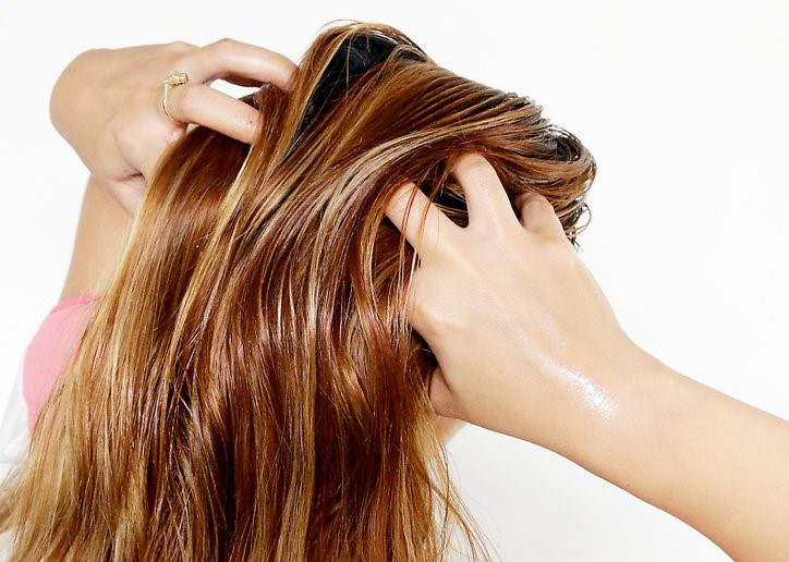 Apply Some Oil To The Hair Surface